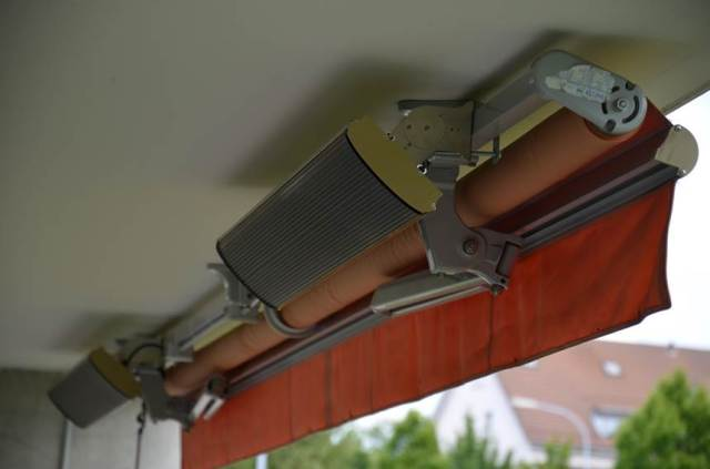 JH heater patio with awning -Anita (2)